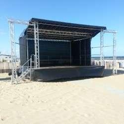 Podium_op_het_strand_podium_42_podiummobilis