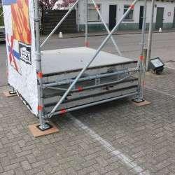 Voldoende_ballast_Layher_Constructie_podiummobilis