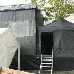 Mobiel-podium-tent-gesloten2